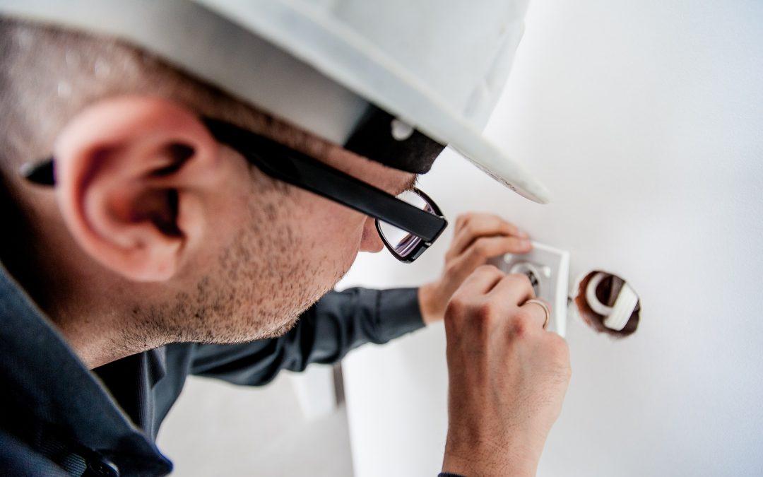 Should I Hire a Smart Home Installer?
